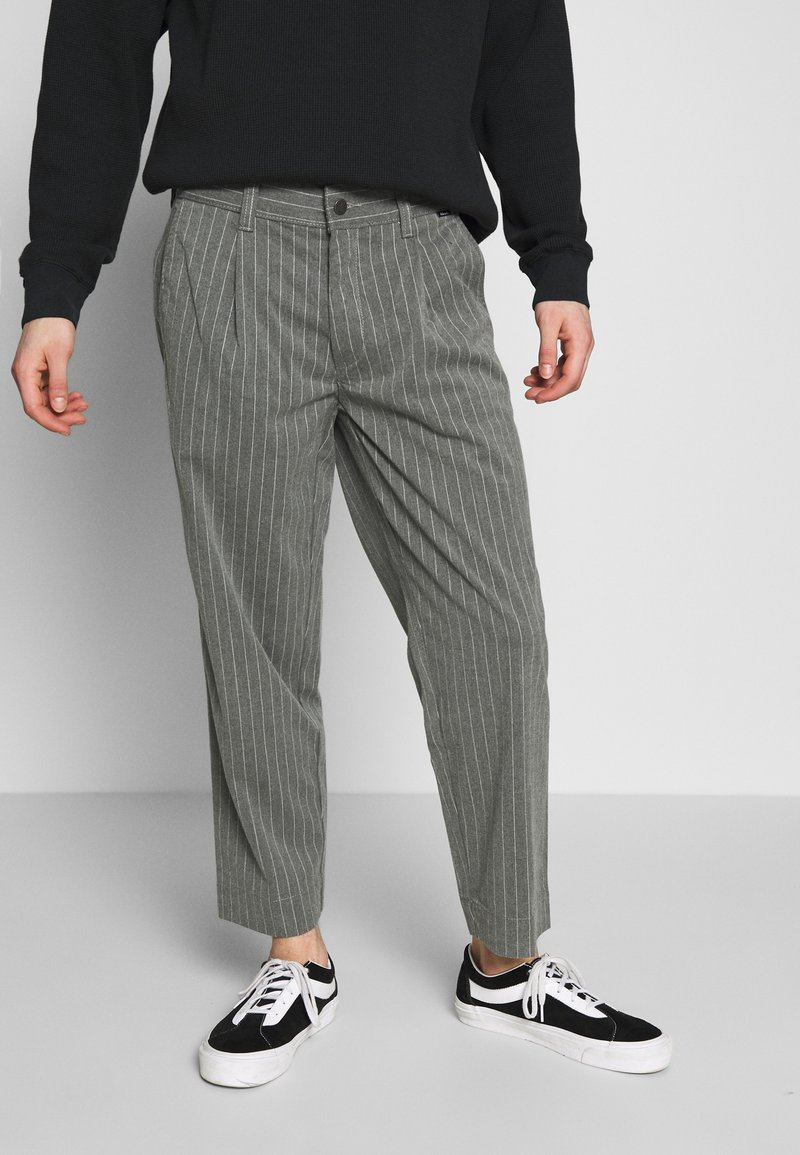 Afends - MIXED BUSINESS  SUIT PANT - Kalhoty - grey