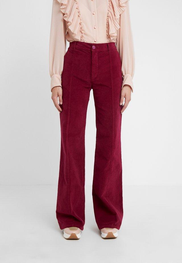 Pantaloni - juicy purple