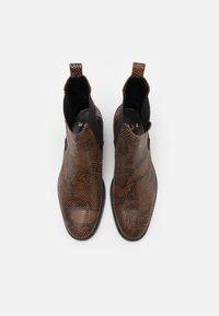 Walk London - HOXTON HENDRIX CUBAN - Kotníkové boty - brown - 3