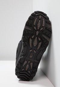 The North Face - CHILKAT III - Winter boots - black/dark gull grey - 4