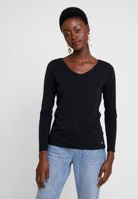 Esprit - CORE  - Maglietta a manica lunga - black - 0