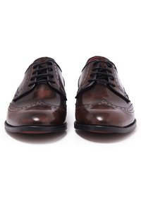 Son Castellanisimos - Zapatos con cordones - brown - 4