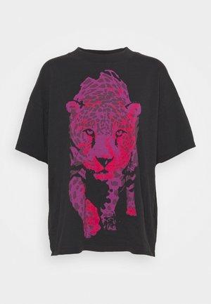 HIGH NECK GIRLFRIEND - Print T-shirt - faded black