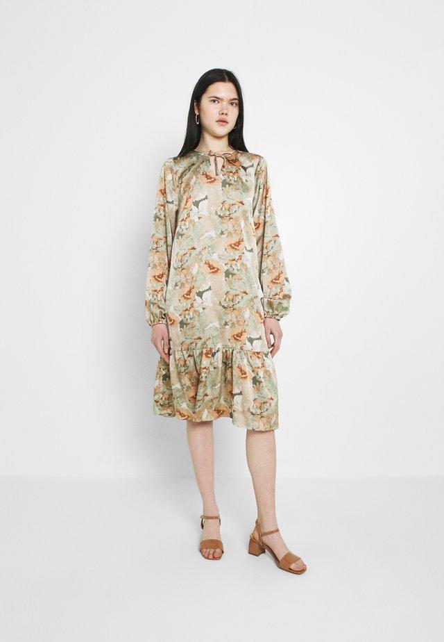BXFANNA DRESS - Sukienka letnia - seagrass