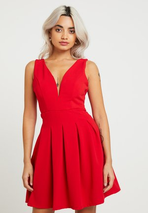 EXCLUSIVE V-NECK MINI DRESS - Jerseykjole - red