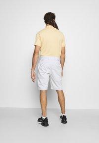 Nike Golf - Sportovní kraťasy - photon dust - 2