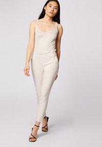 Morgan - CROPPED CIGARETTE - Pantalones - white denim - 1