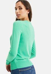 WE Fashion - Strikjakke /Cardigans - bright green - 2