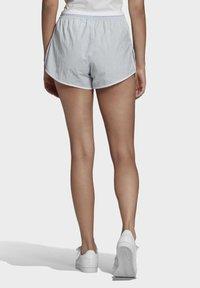 adidas Originals - 3 STRIPES ADICOLORSHORTS - Shortsit - halo blue - 1