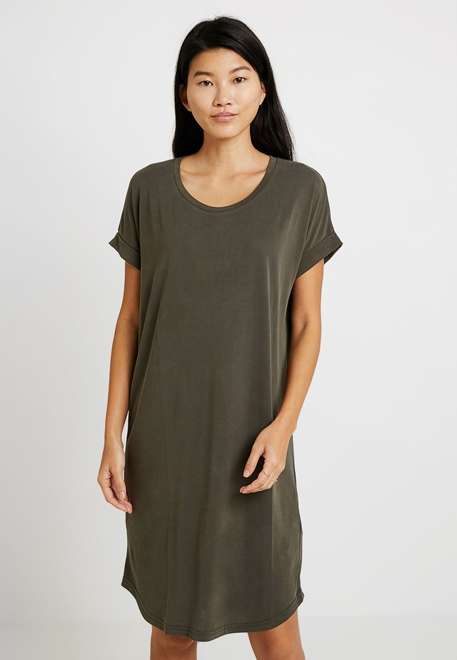 KAJSA  DRESS - Jerseykjoler - sea turtle
