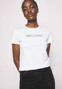 KARL LAGERFELD - RHINESTONE LOGO  - T-Shirt print - white - 3