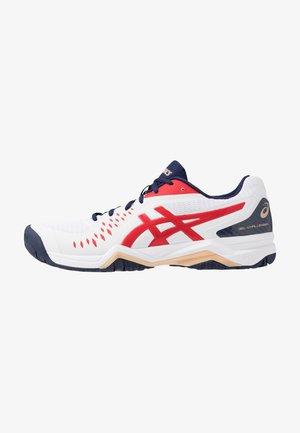 GEL-CHALLENGER 12 - Tenisové boty na všechny povrchy - white/classic red