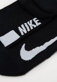Nike Performance - ANKLE 2 PACK UNISEX - Sports socks - black/white - 2