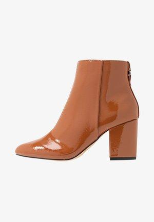 BROOKLYN BLOCK - Ankle boots - tan