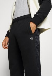 Champion - LEGACY HOODED FULL ZIP SUIT SET - Trainingsanzug - offwhite/black - 8