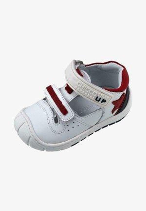 Zapatos con cierre adhesivo - white