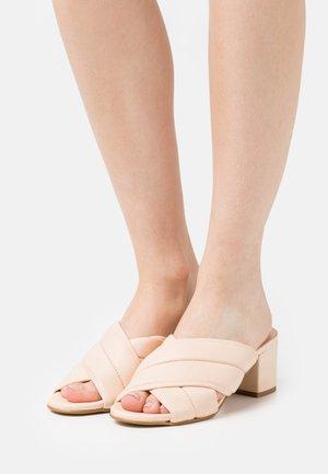 YASPETRI MULES - Pantofle na podpatku - eggnog