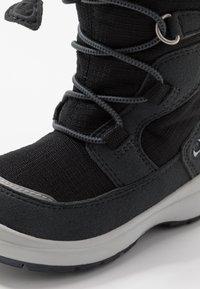 Viking - TOTAK GTX - Stivali da neve  - black/charcoal - 2