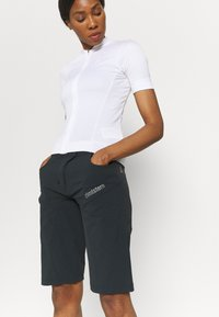 Zimtstern - TAILA EVO SHORT - Sports shorts - pirate black/gun metal - 3