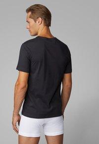 BOSS - 3 PACK - Unterhemd/-shirt - black - 1