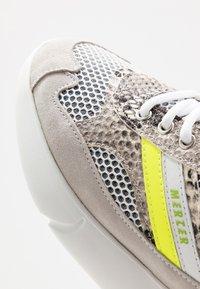 Mercer Amsterdam - SNAKE NEON - Sneakers - white - 5