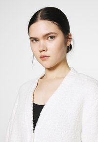 Nly by Nelly - CROPPED FUZZY  - Cardigan - white - 3