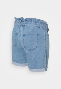 MAMALICIOUS - MLBARKA BELTED - Denim shorts - blue denim - 1