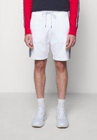 Michael Kors - BLOCKED LOGO  - Shorts - white - 0