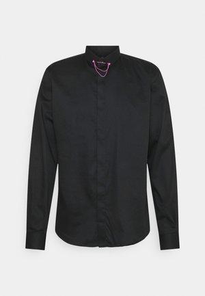 LYNTON - Zakelijk overhemd - black