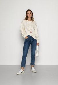 Ecoalf - LLANESALF BECAUSE WOMAN - Sweatshirt - light beige - 1