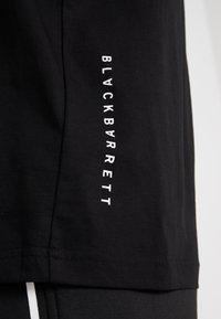 Neil Barrett BLACKBARRETT - 3D MESH SKULLS - T-shirt imprimé - black/white/red - 3