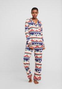 Chelsea Peers - NAVAJO LONG SET - Pyjama - multi - 1