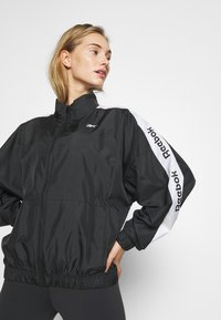 Reebok - LINEAR LOGO JACKET - Veste de survêtement - black - 4