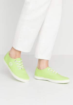 LACE-UP - Tenisky - green