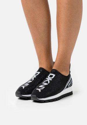 ABBI RUNNER  - Trainers - black/white