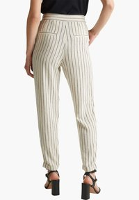 Esprit - PLEATED PANTS - Trousers - sand - 5