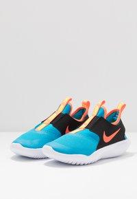 Nike Performance - FLEX RUNNER UNISEX - Laufschuh Neutral - laser blue/hyper crimson/black/lemon - 3
