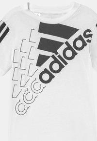 adidas Performance - LOGO UNISEX - Printtipaita - white/black - 2
