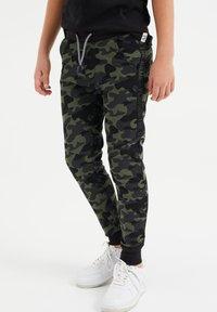WE Fashion - Træningsbukser - army green - 1