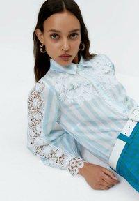 Uterqüe - Button-down blouse - multi-coloured - 5
