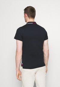 Tommy Hilfiger - COLLAR - Polo shirt - desert sky - 2
