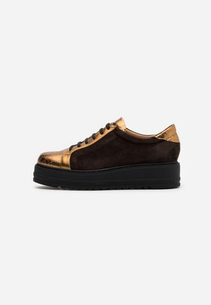 Matalavartiset tennarit - dark brown/bronze