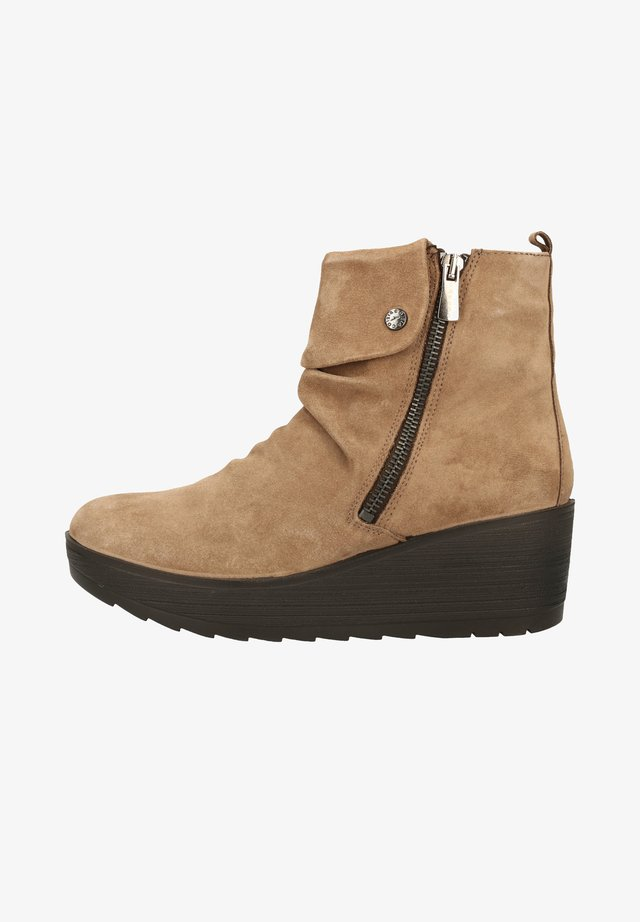Wedge Ankle Boots - fango