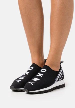 ABBI - Slippers - black