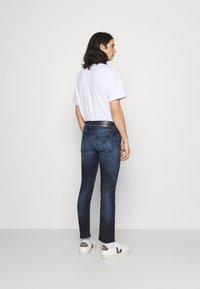 Calvin Klein Jeans - SLIM - Slim fit jeans - denim dark - 2