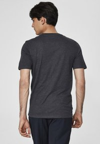 Selected Homme - SHDTHEPERFECT - T-paita - anthracite - 2