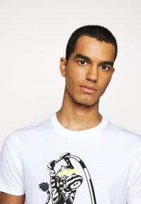 PS Paul Smith - MENS SLIM FIT VAULT ZEBRA - Print T-shirt - white - 3