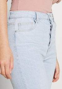 Cotton On - HIGH STRETCH - Straight leg jeans - light-blue denim - 4