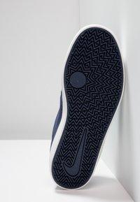 Nike SB - CHECK - Zapatillas - midnight navy/black/summit white - 5