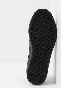 HUF - HUPPER 2 - Sneakersy niskie - black - 4